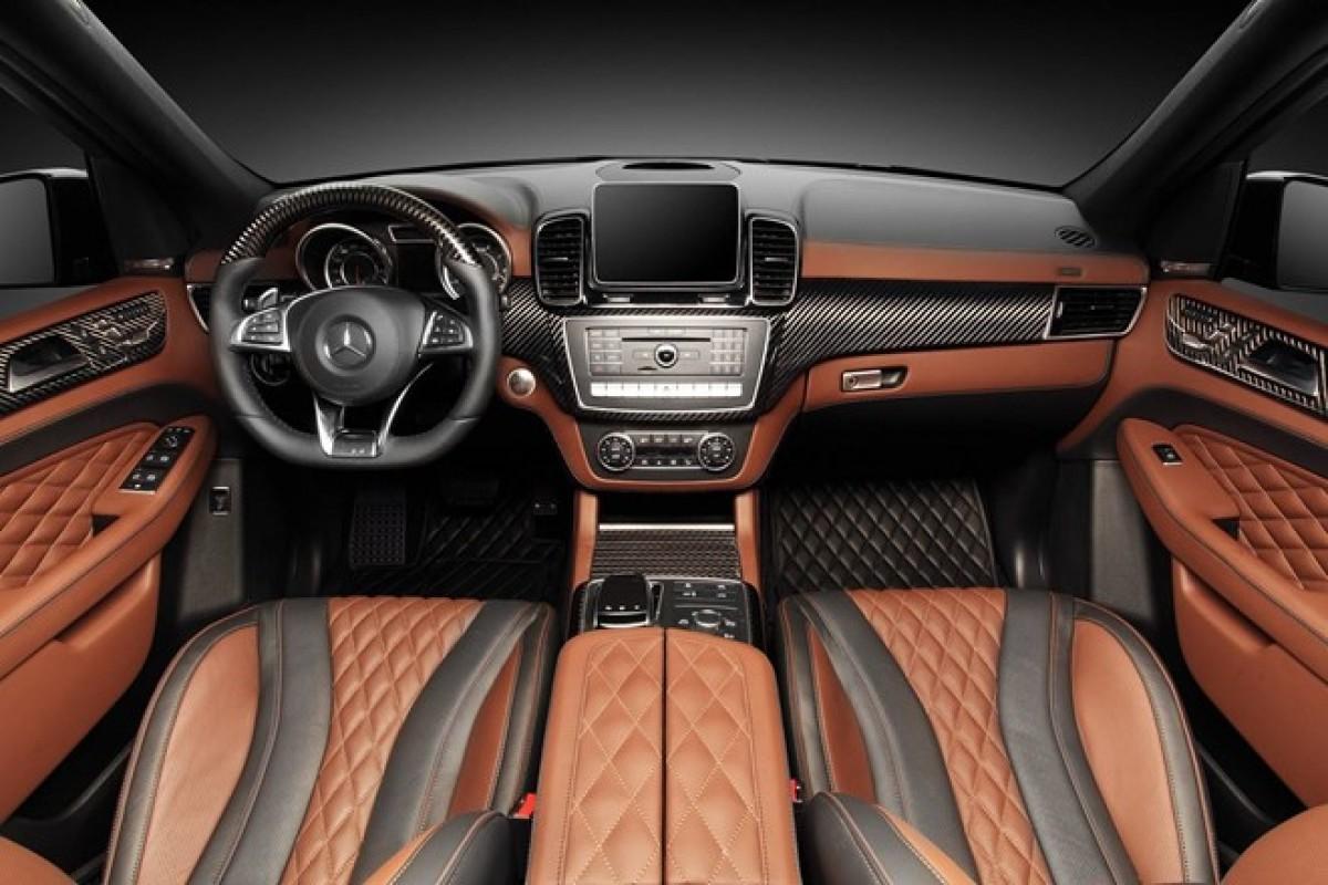 Mercedes GLE 63 AMG độ nội thất bọc da cá sấu và vàng 24K